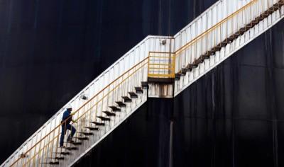 Чтобы спрогнозировать цену на нефть, надо решить нерешаемое уравнение