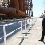 Опорный блок для  добывающей платформы отправлен в море