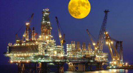 С 2011г впервые на АЧГ добыча нефти снизилась высокими темпами