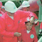 Что стало с мальчиком, которого Назарбаев помазал нефтью на открытии Кашагана
