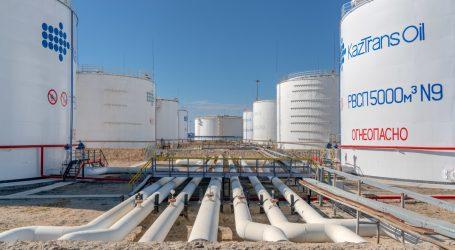 Казахстан продолжает транзит российской нефти в Китай по графику