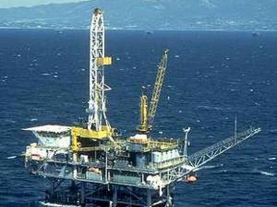 Oil_rig_130508