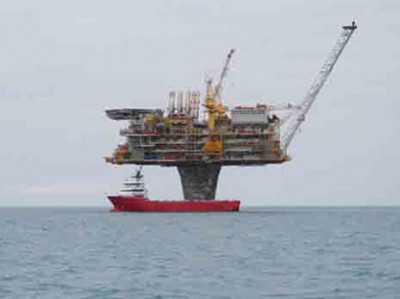 Oil_rig_201107