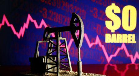 В апреле падение потребления нефти составит 30-35 млн б/с