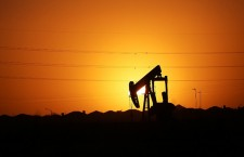 Цена нефти марки Brent упала ниже $49 за баррель впервые за месяц