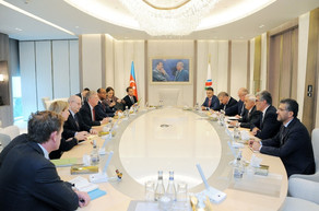 SOCAR leadership and John Bolton discuss energy projects implemented by Azerbaijan