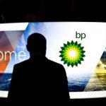 During 6 months BP's net loss dropped by 38%