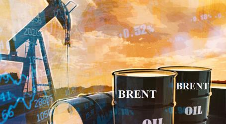 Цена нефти марки Brent превысила $62 за баррель впервые за год