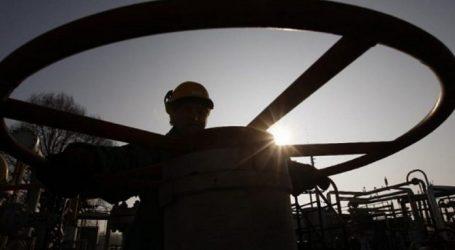 Добыча нефти в России опять немного выросла