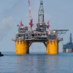 """""""Shell"""" Şimal dənizində 18 neft quyusunu bağlayacaq"""