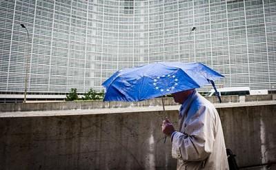 СМИ узнали об отказе стран еврозоны спасти Грецию от дефолта