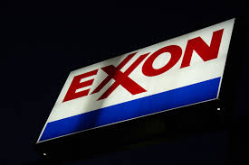 Exxon third-quarter profit rises 3 percent on refining