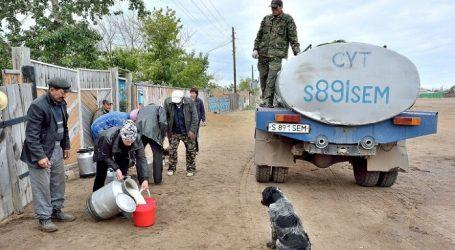 Жизнь взаймы. Казахстан тратит на треть больше, чем зарабатывает