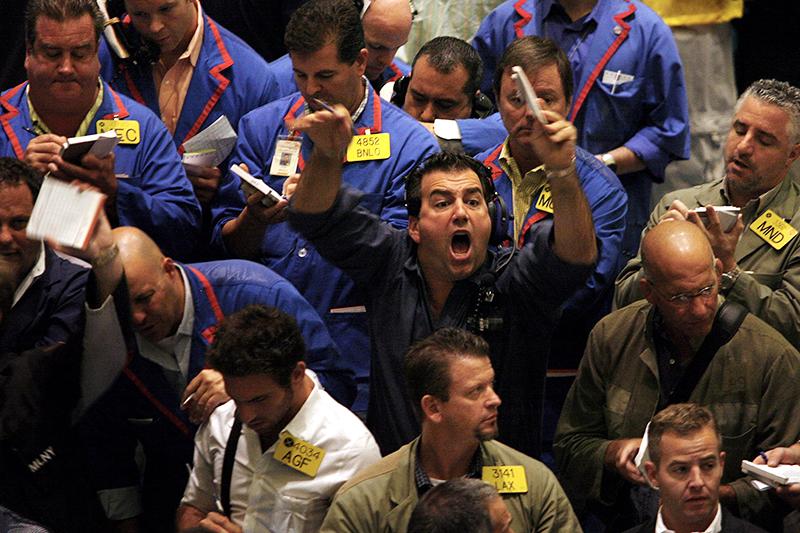 Цена на нефть рухнула из-за рекордного роста запасов сырья в США
