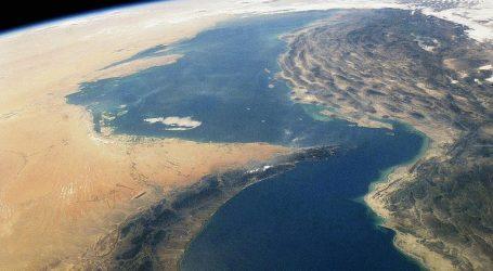Иран угрожает перекрыть Ормузский пролив