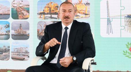 Ильхам Алиев: нефтегазовый сектор еще долго будет составлять основу экономики Азербайджана
