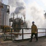 Нефть марки Brent упала ниже $28 за баррель после снятия санкций с Ирана