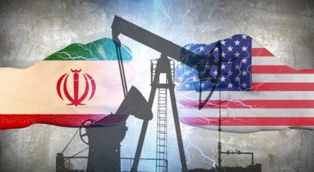 Добыча нефти в Иране упала до минимума с конца 1980-х годов