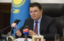 Глава Минэнерго Казахстана обсудил с вице-президентом Total сотрудничество по экспорту газа