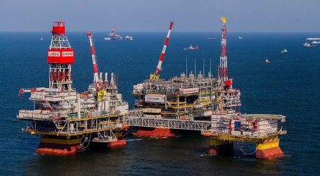 Принят закон о регистрации нефтедобывающих платформ на Каспии