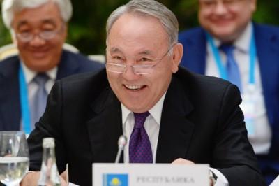 Nazarbayev Qazaxıstan vasitəsilə Asiyadan Avropaya nəqliyyat dəhlizi yaratmaq təklif edib