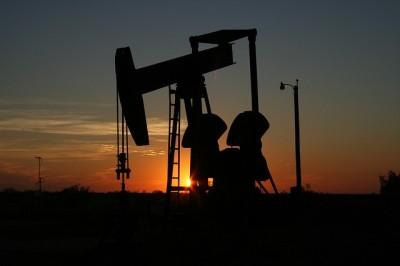 Qazaxıstan 2015-ci ildə keçən ildəkindən az neft hasil edəcək