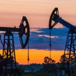 Средняя цена нефти Urals за 11 месяцев сократилась на 22%