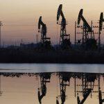 Минфин не исключил падения цены на нефть до $80 за баррель