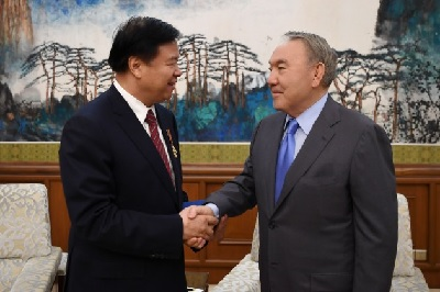 Нурсултан Назарбаев провел встречу с главой совета директоров CNPC