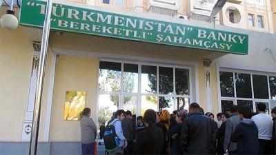 Türkmənisatanda valyuta dəyişmə məntəqləri xarici valyutanın satşını dayandırıblar