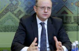 Министр энергетики Азербайджана ждет в Вене консультаций по смягчению сделки ОПЕК+