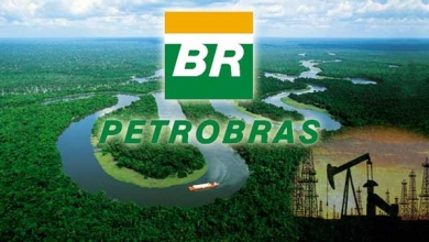 Petrobras posts profit in the first half and reduces its deb