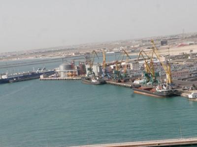Aktau port slightly reduces oil cargo transshipment