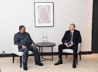 Prezident İlham Əliyev Davosda OPEC-in baş katibi ilə görüşüb
