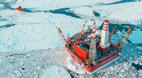 «Газпром нефть» добыла первые 10 млн тонн нефти на Приразломном