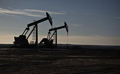 İran 2018-ci ildə neft hasilatını 5.7 milyon barelə çatdıracaq