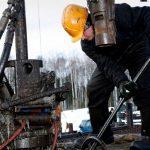 Минэк назвал срок восстановления Россией добычи нефти до рекордного уровня