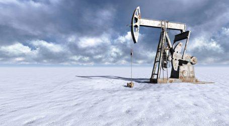Стоимость нефти Brent впервые за год поднялась выше $64
