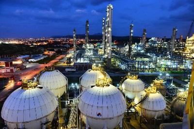 İzmirdə yeni neft-kimya kompleksinin inşasına 2019-a planlaşdırılır
