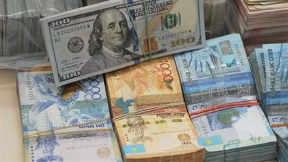 Analysts predict weakening of Kazakhstan currency to KZT 400/$1