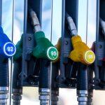 Четыре нефтекомпании из РФ начали закупку топлива для своих АЗС в Белоруссии
