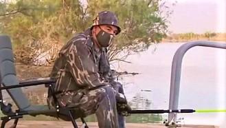 Бердымухамедов в маске пошел ловить рыб