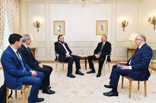 Азербайджан обсуждает возможность участия Total в разработке блока Умид-Бабек на Каспии