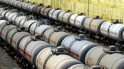 Azerbaijani oil export price slowly goes down