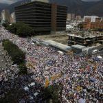 Почему протестуют венесуэльцы?
